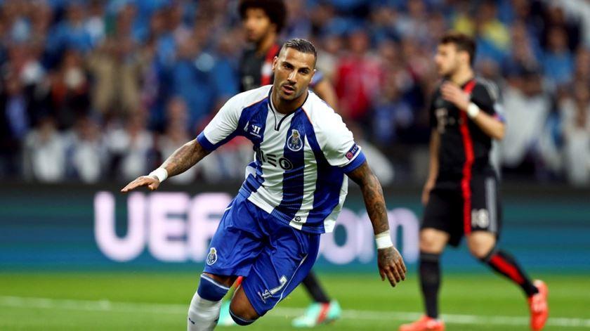 Quaresma acerta rescisão com o Besiktas e pode voltar ao FC Porto