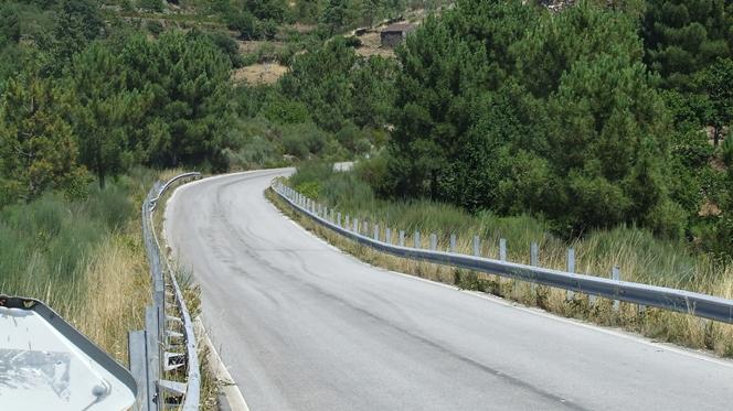 """Roubados """"rails"""" de estrada em Tarouca"""