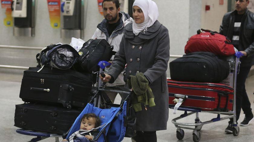 Portugal disponível para acolher refugiados que estão em campos na Grécia