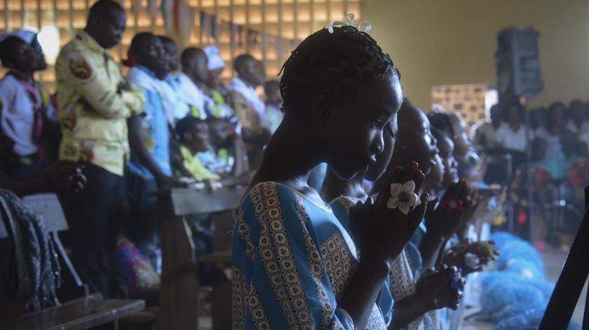 Católicos na República Centro-Africana por altura da visita do Papa Francisco. Foto: STR/EPA
