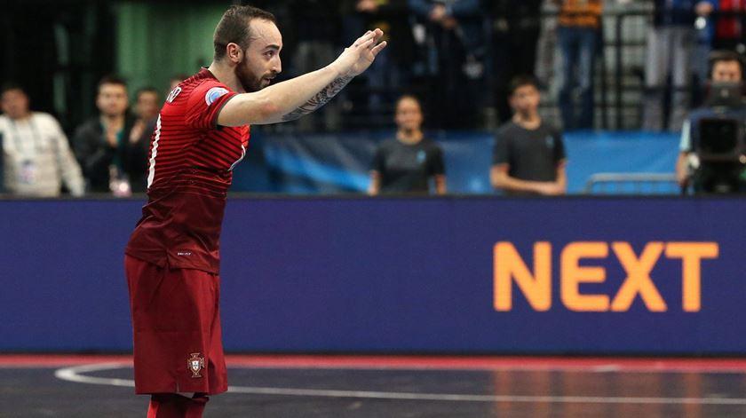 Ricardinho foi eleito, por cinco vezes, o melhor jogador de futsal do mundo. Foto: Srdjan Suki/EPA