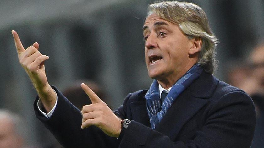 Mancini prepara-se para assumir o comando da seleção do seu país. Foto: Daniel Dal Zennaro/EPA