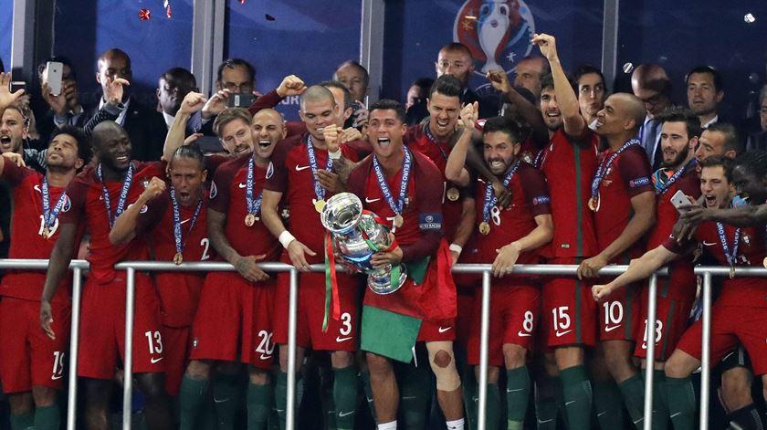 """Cristiano Ronaldo: """"Euro 2016 foi o troféu mais especial da minha carreira"""""""