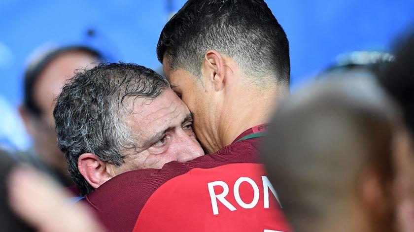 """Fernando Santos emotivo: """"tenho um grupo de jogadores fantástico"""""""