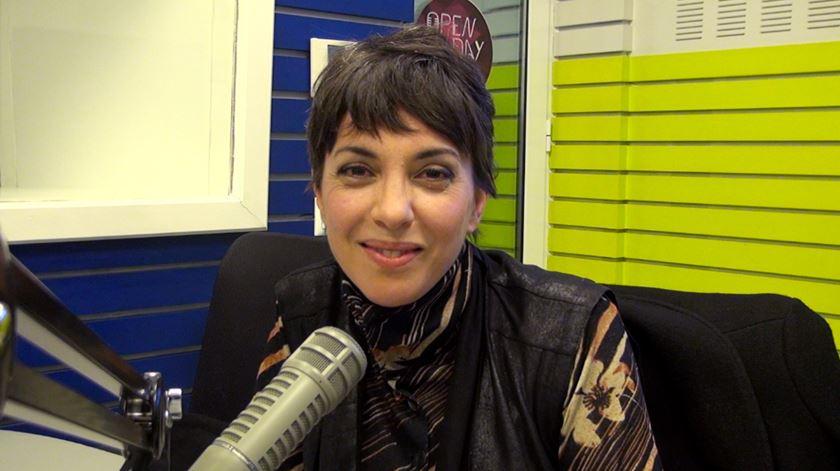 Um instante de conversa com Teresa Salgueiro