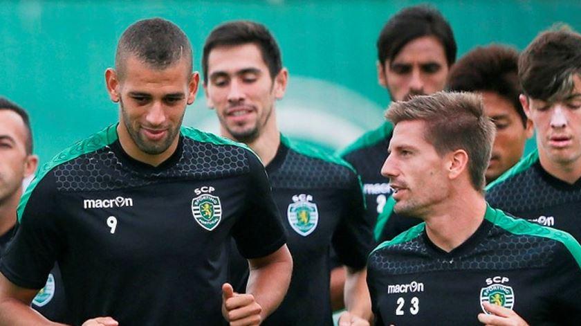 Adrien Silva diz que Slimani quer voltar ao Sporting