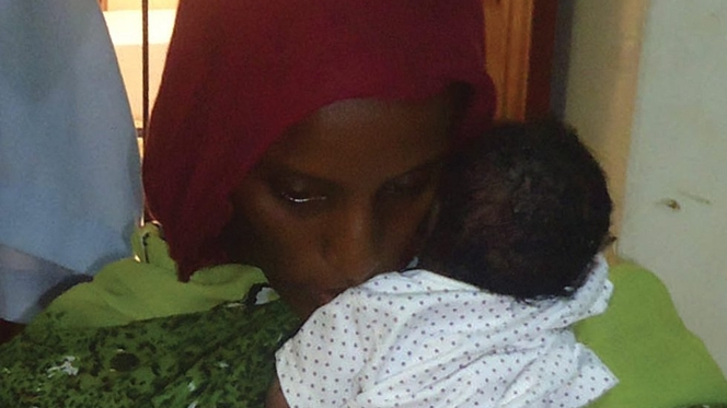 Cristã sudanesa volta a ser detida, agora com a família