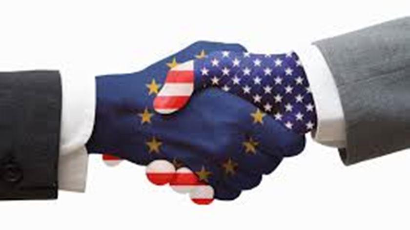 Revista de Imprensa de temas europeus (09/11/2016)