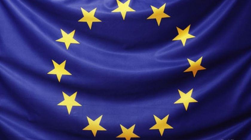 2017.02.06 OLHAR EUROPA