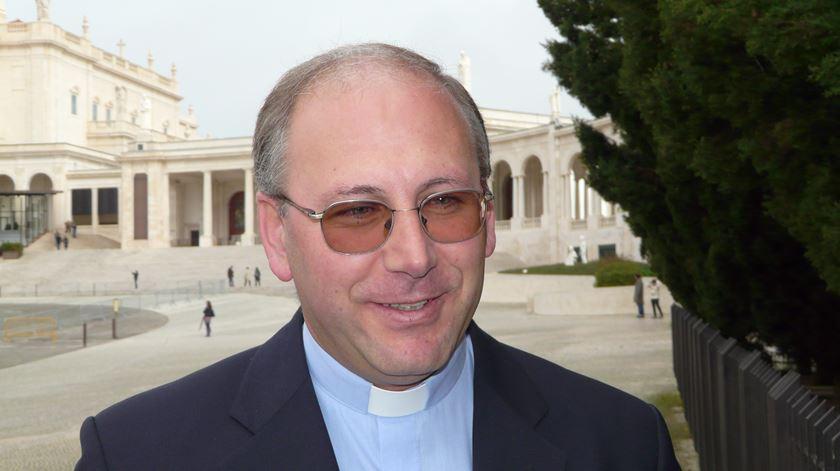 """Bispo de Coimbra quer """"ajudar os estudantes pobres"""" com a renúncia quaresmal"""