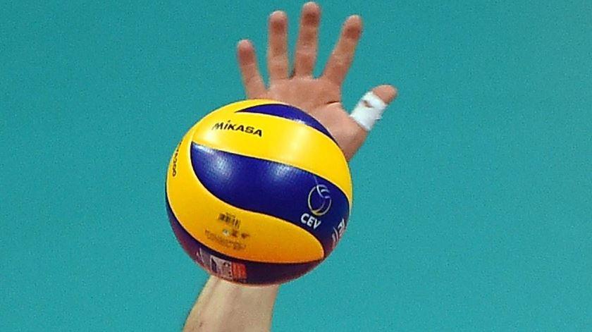 Voleibol. Sporting em vantagem nas meias-finais